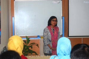 Pemberian Materi Advanced Training on Animal Care and Use in Research, Training and Education