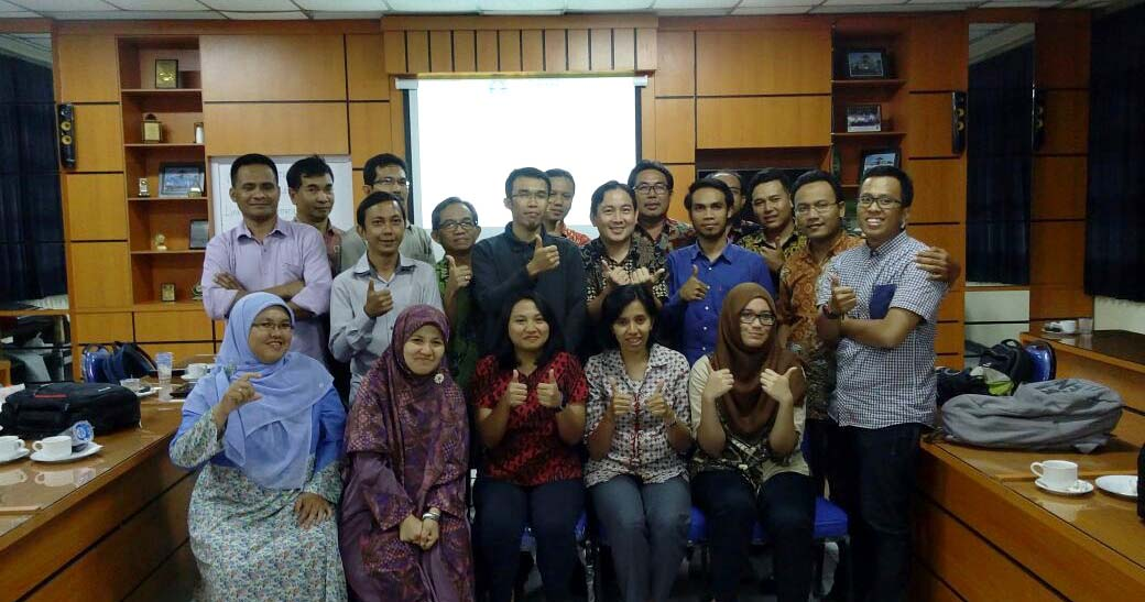 Peserta Workshop Sistem Informasi Geografis ArcGIS Platform Technical Workshop