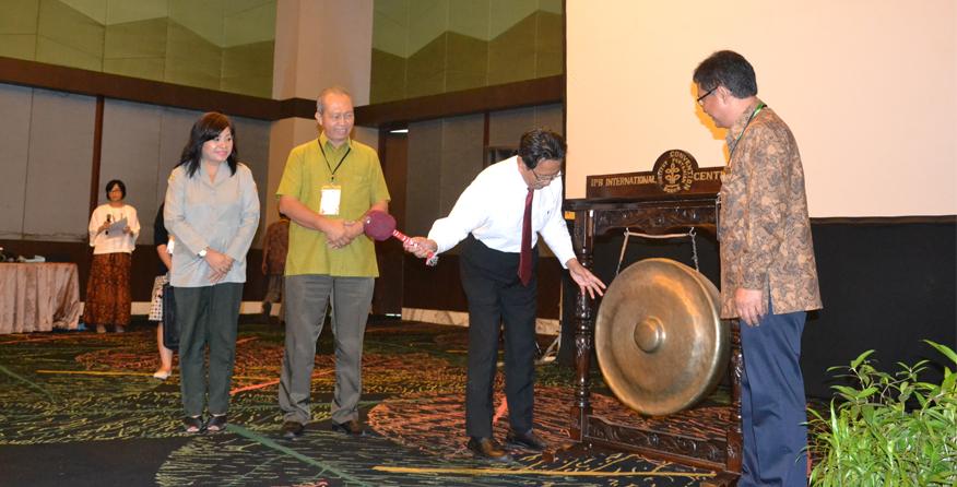 Kepala LPPM Meresmikan Pembukaan Seminar Internasional PSSP