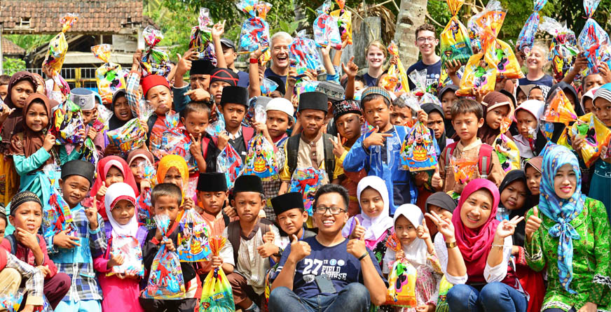 Animo anak-anak Muara Binuangeun pada Outreach Program
