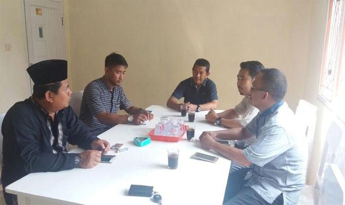 Pertemuan dengan Kepala Desa cikiruh Wetan Bapak Lukman Hakim