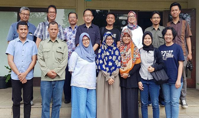 Foto Bersama Peserta Pelatihan Teknik Dasar Fotografi (2/6-2018)