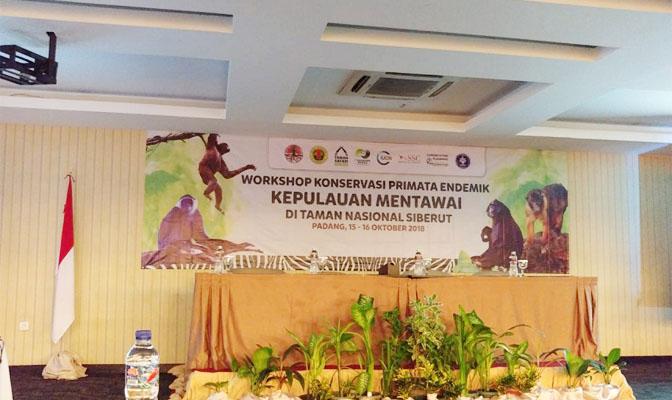 Staf Peneliti PSSP menjadi Narasumber dalam Seminar Konservasi Primata Endemik Kepulauan Mentawai di Taman Nasional Siberut