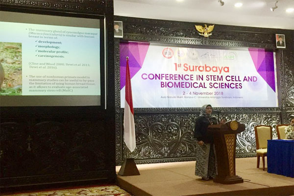 Dr. Silmi Mariya saat presentasi dalam acara International Conference in Stem Cell and Biomedical Sciences