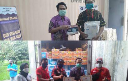 Laboratorium Covid -19 PSSP IPB Menerima Bantuan APD Air Mineral dan Biskuit dari PT. Mayora Indah
