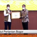 IPB Raih Penghargaan dari BNPB dalam Penanggulangan Bencana dan Penanganan Covid-19